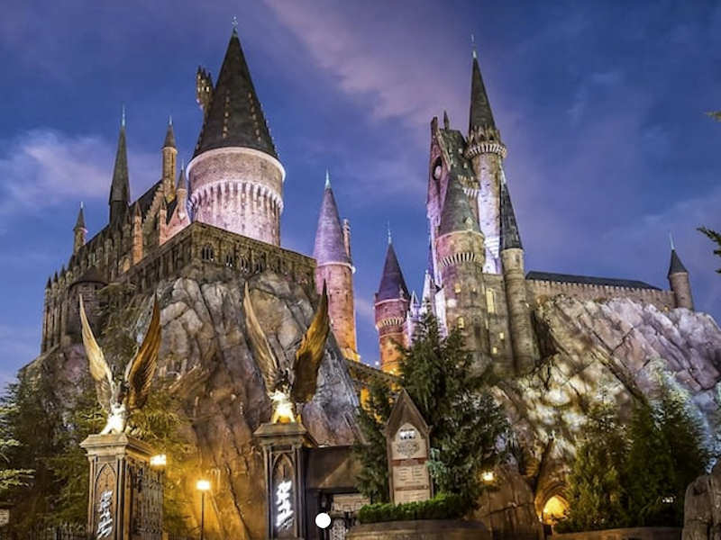 (c) Universal Studios
